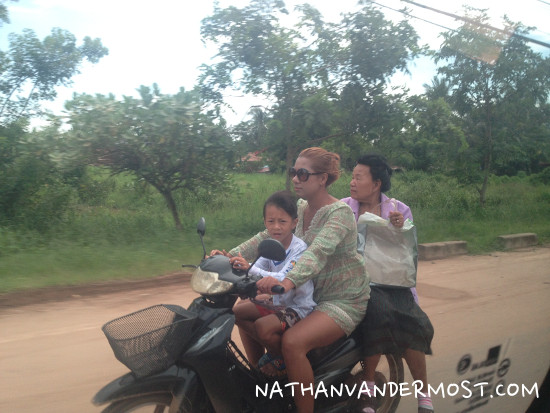 Vientiane Thai Visa Run_35