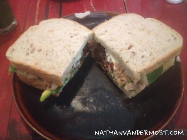 Hanoi-Social-Club-Sandwich