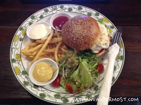 Puku-Beef-Burger